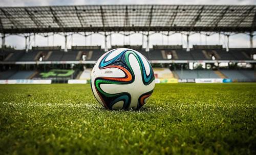 Taktik und Regeln beim Fußball